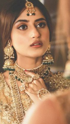 Sajal Ali in a Bridal look Desi Wedding, Wedding Looks, Wedding Wear, Bridal Looks, Bridal Style, Pakistani Jewelry, Pakistani Bridal, Bengali Bride, Punjabi Bride