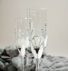 Wedding Glasses Champagne Toasting Flutes Hand por NevenaArtGlass