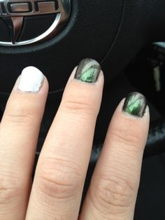 Sinful Colors You Just Wait (pink-green duochrome) over Black and White   Saiwai Beauty
