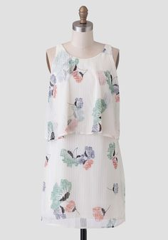 at ruche Serenity Printed Tiered Dress All Fashion, Work Fashion, Fashion Outfits, Petite Outfits, Petite Clothes, Cute Dresses, Dresses For Work, Vintage Inspired Fashion, Tiered Dress