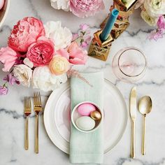 Wow your peeps with our holiday menu popping with spring colors and fresh flavors, and take Emily Henderson's style cues to create a fuss-free tabletop and casually elegant look. Emily Hender…