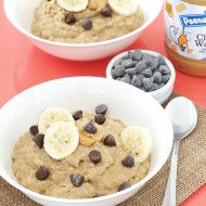 Maple Peanut Butter Oatmeal with Bananas and Chocolate Chips