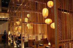 restaurant arquitectura Four Seasons Seoul - COOL - restaurant Japanese Restaurant Interior, Japanese Interior, Restaurant Interior Design, Restaurant Interiors, Restaurant Lighting, Cafe Restaurant, Seoul, Four Seasons Hotel, Hotel Lobby