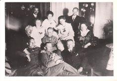 Werner Voss and family with Manfred von Richthofen