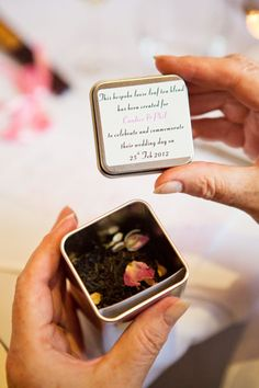 Candice & Phil gave their guests personalised tins of tea as a fragrant and delicious bomboniere organised by Tea by the Sea. Photo by Luci Leonardi.