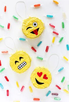 Some days you just need a little more fun in your life, right!? Things I love: Tiny things. Emojis. And parties… And so the Mini Emoji Piñata was created! These guys are too fun, almost too fun to bre