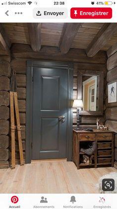 Hall - gorgeous color for interior doors. Chalet Design, House Design, Cabin Homes, Log Homes, Chalet Interior, Interior Doors, Kitchen Interior, How To Build A Log Cabin, Mountain Cottage