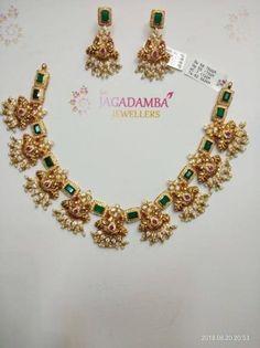 Gatsby Pearl Bracelet 3 strands Swarovski pearls in White with Gunmetal Art Deco Rhinestone focal perfect bridal bracelet wedding jewelry - Custom Jewelry Ideas Jewelry Sets, Gold Jewelry, Jewelry Necklaces, India Jewelry, Pendant Jewelry, Antique Jewelry, Vintage Jewelry, Fine Jewelry, Jewelry Wall