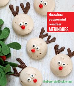 reindeer peppermint chocolate meringue cookies for Christmas marshmallow christmas Christmas Chocolate, Christmas Sweets, Christmas Cooking, Holiday Cookies, Christmas Desserts, Holiday Treats, Christmas Christmas, Chocolate Meringue Cookies, Chocolate Peppermint Cookies