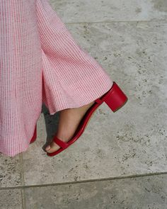 New fashion trends and outfits for teens and young women in spring and summer 2019 Red Sandals, Ankle Strap Sandals, Ankle Straps, New Fashion Trends, Womens Fashion, Bling Shoes, Dressing, Mode Outfits, Editorial Fashion