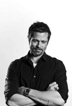 hairstyles men long brad pitt 9 ideas 2 The Beauty Products Jennifer Aniston, Gorgeous Men, Beautiful People, Brad Pitt And Angelina Jolie, Errol Flynn, Celebrity Portraits, Celebrity Photos, Black And White Portraits, Good Looking Men