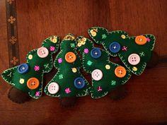 Alberi di natale, ornamental xmas, pannolenci bottoni paillettes