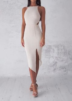 Swans Style is the top online fashion store for women. Shop sexy club dresses, jeans, shoes, bodysuits, skirts and more. Elegant Outfit, Classy Dress, Classy Outfits, Chic Outfits, Elegant Dresses For Women, Pretty Dresses, Beautiful Dresses, Event Dresses, Prom Dresses