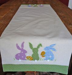 Tischläufer 45x140 cm mit Hasen und Eiern Ostern Tischdecke Mitteldecke