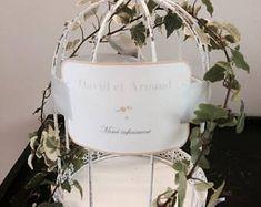Your wedding urn: a bird cage