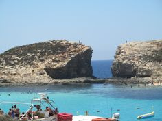 beautiful Comino Island and the Blue Lagoon - the whitest water I´ve ever seen