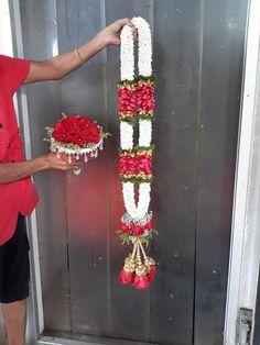 Indian Wedding Flowers, Flower Garland Wedding, Daisy Wedding, Floral Garland, Flower Garlands, Wedding Garland Indian, Wedding Garlands, Marriage Decoration, Wedding Stage Decorations