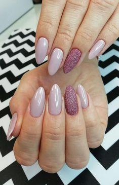 Love the nail lacquer colour/not sure about the nail shape - Nails - Lack Get Nails, Prom Nails, Hair And Nails, Sugar Nails, Manicure Y Pedicure, Fabulous Nails, Nail Colors, Shellac Colors, Nails Inspiration