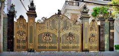 Báo giá cổng nhôm đúc Front Gate Design, Door Gate Design, 10 Marla House Plan, Boundary Walls, Front Gates, Iron Doors, Interior Exterior, Paint Designs, Beautiful Homes