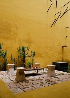 De l'ocre pur une évasion vers d'autres contrées aux couleurs mexicaines...