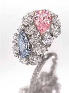 """""""Toi et Moi"""" ring featuring a pear-shaped fancy intense blue diamond and a pear-shaped fancy intense pink diamond ❤ ℒℴvℯly Pink Diamond Engagement Ring, Pink Diamond Ring, Diamond Jewelry, Engagement Rings, Fall Jewelry, Summer Jewelry, Premier Designs, Bling Bling, Cartier"""