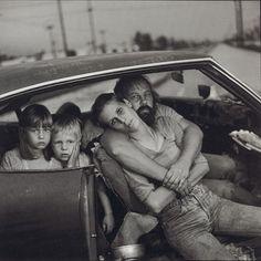 Mary Ellen Mark. The Damm Family in their Car, Los Angeles, CA, 1987