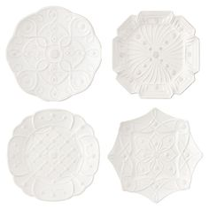 <p>From our Jardins du Monde Collection - Decorated with the geometric patterns our four historic gardens, these lavishly ornamented dessert/salad plates in Whitewash are a sweetly sophisticated addition to any tastemaker's cache, with classical motifs th