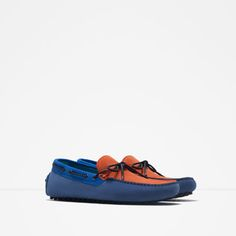 Image 2 of CONTRASTING COLOR LEATHER DRIVING SHOES WITH BOW DETAIL from Zara