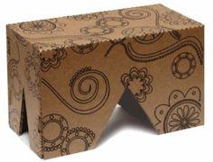 Móveis feitos de papelão