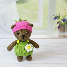 Raspberry bear amigurumi crochet bear - free pattern 🖤 . #amigurumi #crochetpatterns #amigurumipattern