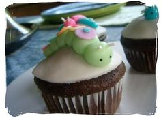 Spring, Easter or Birthday Cupcakes ✿ Homemade Fondant Recipe ✿ Take a look at those cute insects; I love little Catty Caterpillar :)