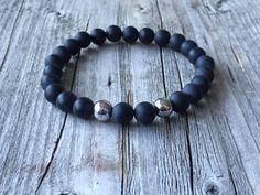 Men gemstone bracelet, Surf bracelet, rock bracelet, stretch stacking bracelet, Black bracelet, Gemstone men jewelery, Men gift, fashion men door KennlyDesign op Etsy