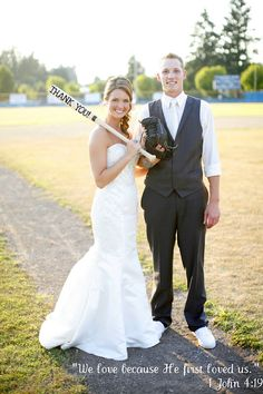 Baseball Wedding Thank-Yous!  -Molly your doing baseball theme right?>>>>Awesome thank you cards! Instead of having to write each one you just send a punch of new pictures with a thank you on them