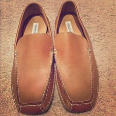 Franco Fortini men's size 9.5 leather loafers Great loafer for casual or dressing up! Genuine tan leather and rubber sole. Franco Fortini Shoes Flats & Loafers