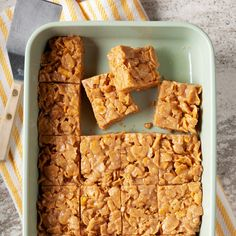 Granola Cereal, Cereal Bars, Peanut Butter Cornflakes, Cornflake Peanut Butter Bars, Easy Desserts, Dessert Recipes, Bar Recipes, Sweet Recipes, Cookie Recipes