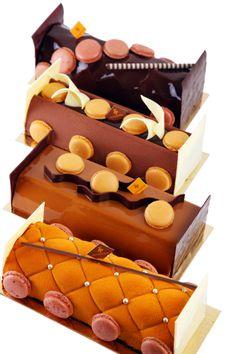 Payard proposes for Christmas these 4 original and tasty logs - Louvre log - Chestnut Pear log - Chocolate Mandarin Log - Chocolate Caramel Log.