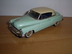 VOITURE AMERICAINE USA buick 1950 1/43 eme SOLIDO