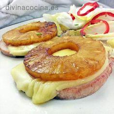 CHULETAS DE CERDO CON PIÑA. Se preparan en 5 minutos y visten tu mesa de fiesta y alegría, ¡energía para el domingo! VER RECETA >>> http://www.divinacocina.es/chuletas-de-cerdo-con-pina/