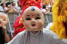 A gastronomia vem acompanhada ainda de música, demonstração de pintura chinesa, apresentações de academias de artes marciais, show de ilusionismo, culto ecumênico, fogos de artifícios, entre outras atrações.