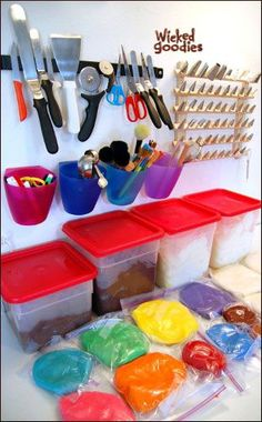 Cake Decorating Gadget-Storage-by-Wicked-Goodies-(1)