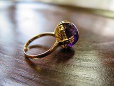 千本透かし blog / CLASSICS HAKOZAKI / 昭和ジュエリー: 505:デッドストック 千本透かし(キャスト) K18 アメジスト リング #14 Heart Ring, Gold Rings, Amethyst, Crystals, Accessories, Jewelry, Decoration, Design, Jewellery Making