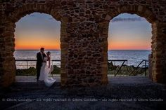 Creative portrait at the sunset  Fotografia matrimonio a Cefalù -Sicilia Wedding photographer made in Sicily