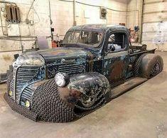Custom Trucks, Custom Cars, Cool Trucks, Cool Cars, Rat Rod Pickup, Rat Look, Car Shop, War Machine, Fast Cars