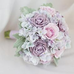 Picking the Perfect Flower Wedding Bouquet Church Wedding Flowers, Neutral Wedding Flowers, Flower Bouquet Wedding, Purple Wedding, Pink Rose Flower, Purple Roses, Wedding Costs, Destination Wedding, Bride Bouquets