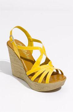 Wedge sandal..