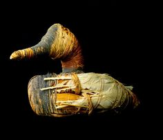 Duck Decoy - One of oldest duck decoys in USA - one of group found in Lovelock Cave, Nevada in a large woven basket. Native American Photos, Native American Artifacts, Large Woven Basket, Woven Baskets, Duck Decoys, Rare Birds, Bird Sculpture, Outdoor Photos, Cool Inventions