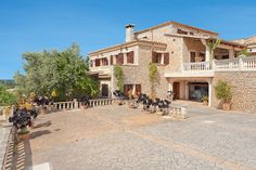 Natural stone walled finca, beautiful surroundings and a pool - things that make up your perfect Majorca holidays in Villa Claudia! www.portaholiday.com