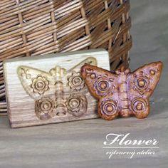 Motýlek1 - perníček z dřevěné formy z 19. století Cuff Bracelets, Jewelry, Jewlery, Jewerly, Schmuck, Jewels, Jewelery, Fine Jewelry, Jewel
