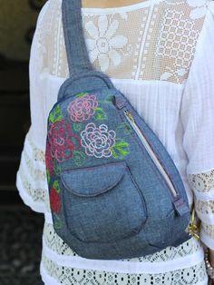 Sew A Bag Cheyenne Rope Bag (Pattern) - Original sewing, bag, Mochila Jeans, Crochet Shell Stitch, Bag Patterns To Sew, Sewing Patterns, Crochet Handbags, Denim Bag, Fabric Bags, Backpack Purse, Shoulder Backpack