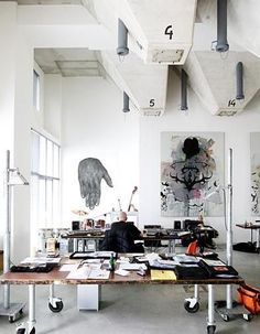 Wonderful idea great way to use a filing cabinet without it looking too industrial love this office space home office/studio Home Studio, Dream Studio, Studio Desk, Studio Table, Studio Spaces, Studio Art, Suppose Design Office, Industrial Interiors, Industrial Workspace